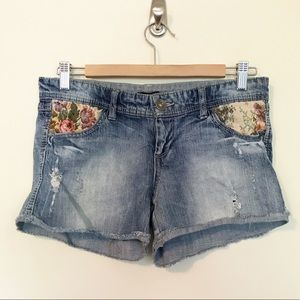 Boho Festival Tapestry Distressed Jean shorts 27